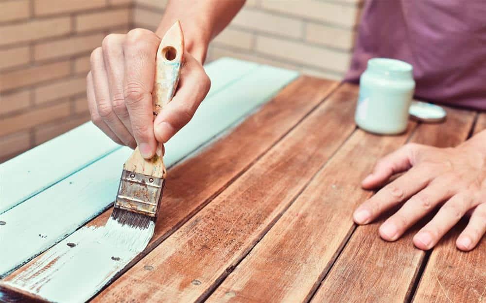 como fazer tinta caseira para madeira
