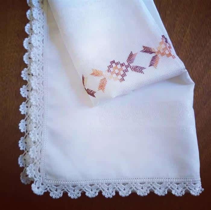 toalhas bordadas mesa