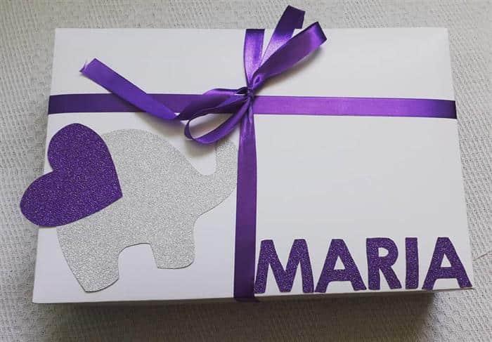 caixa de presente branca