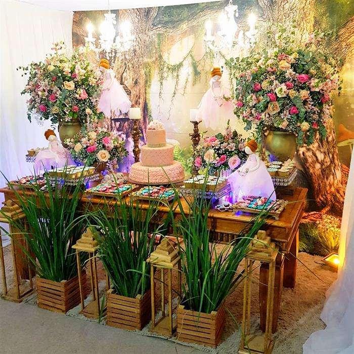 decoração de 15 anos com flores