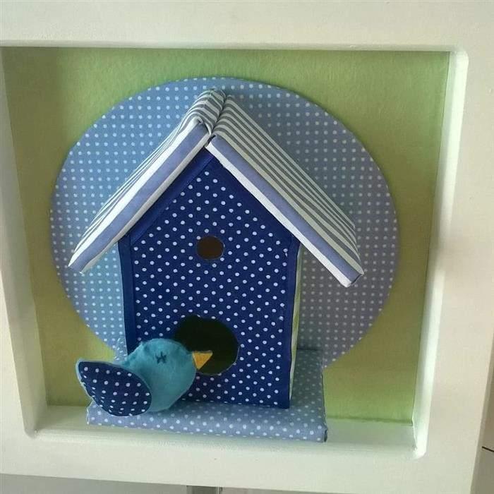 casinha no nicho feita com caixa de leite