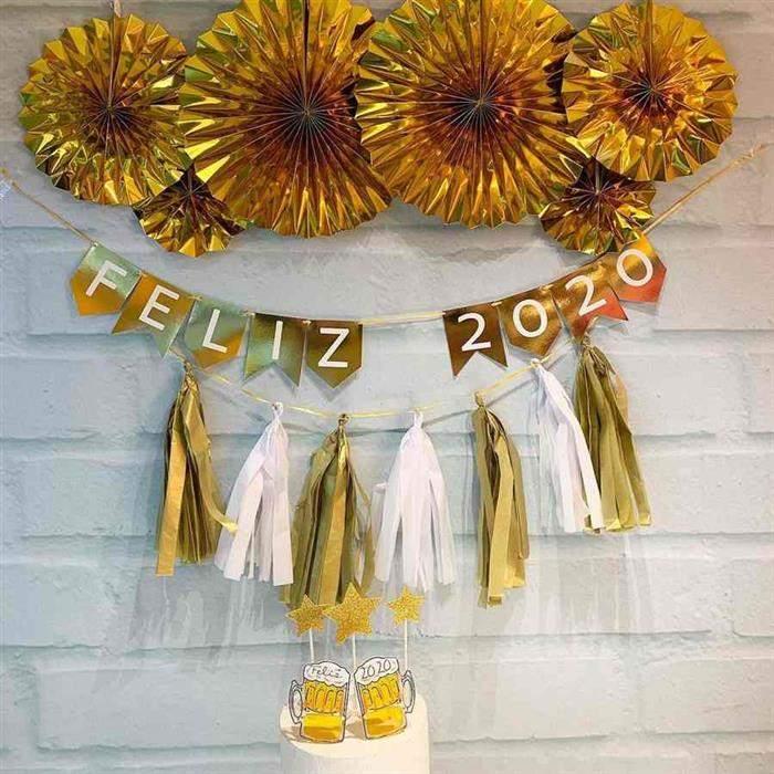 decoração de ano novo com papel laminado