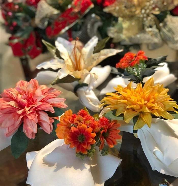 porta guardanapo com flores grandes