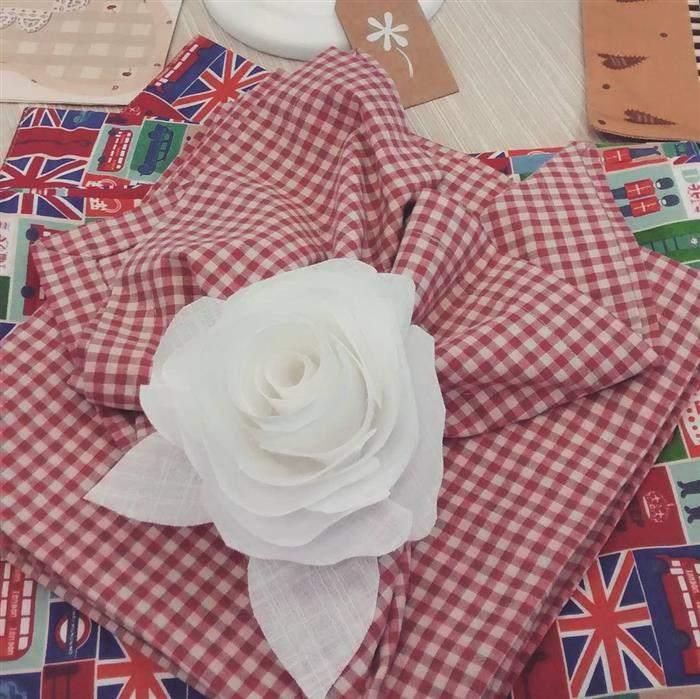 porta guardanapo em flor de tecido