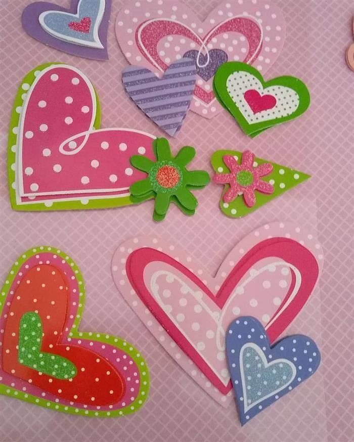 capa de caderno decorado com corações