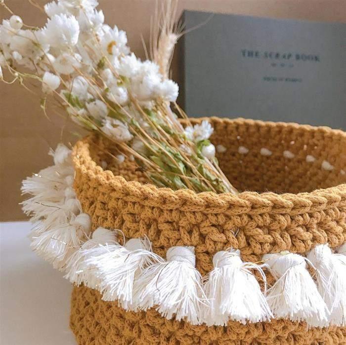 cachepot de corche com pompom