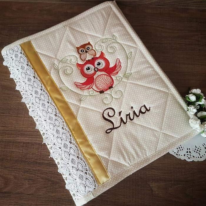 capa de caderno com bordado
