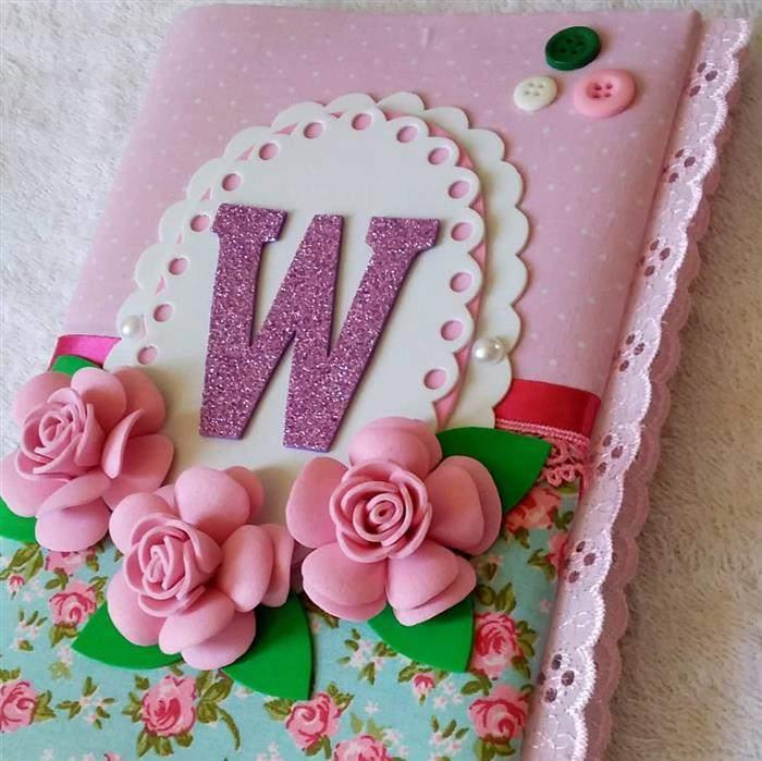 capa de caderno com flores