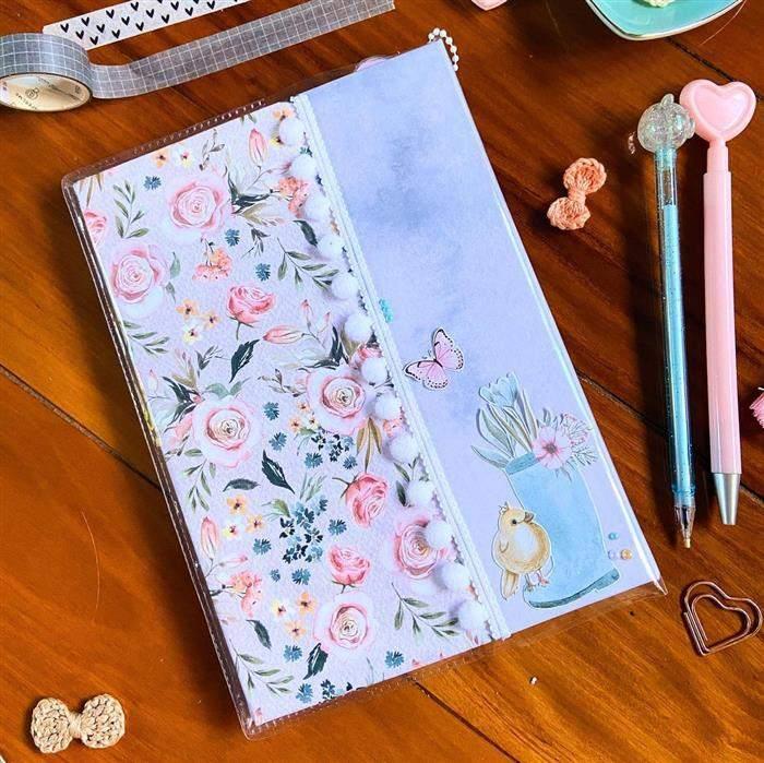 capa de caderno com retalhos