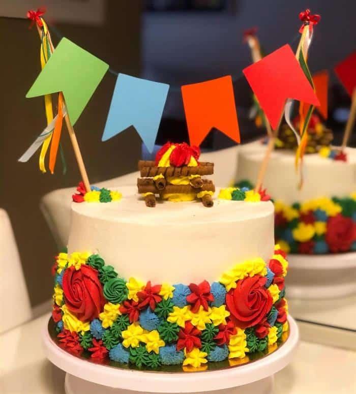 bandeirinha festa junina para bolo