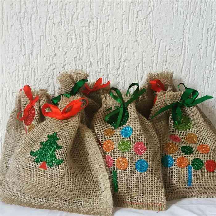 Lembrancinhas de Natal lindas e baratas para clientes sacolas