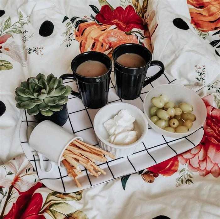 café da manhã do dia dos namorados na cama