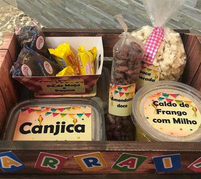 festa na caixa com doce tipicos