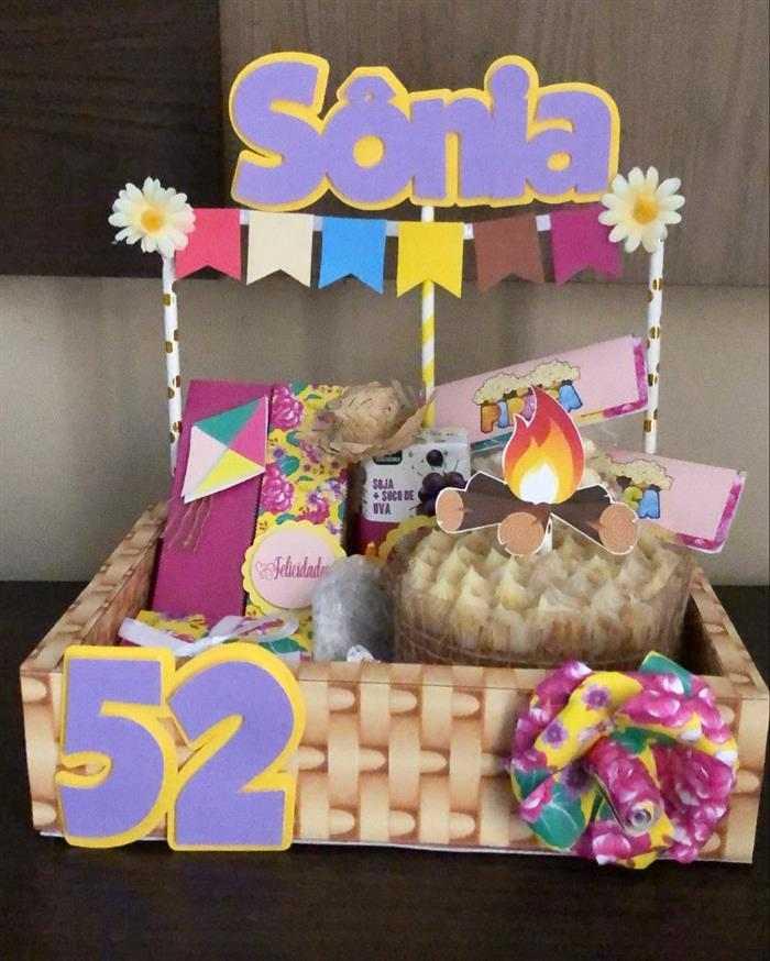 festa na caixa de aniversário