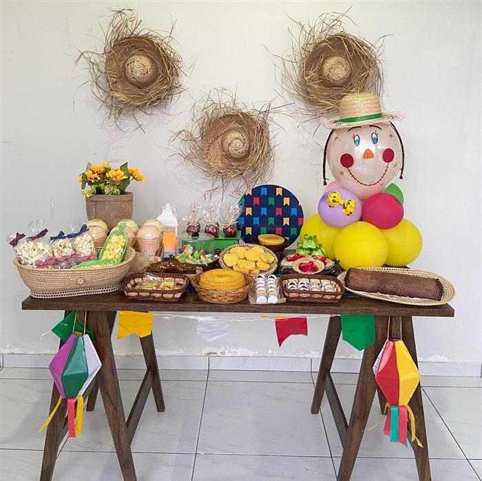 mesa de festa junina em casa