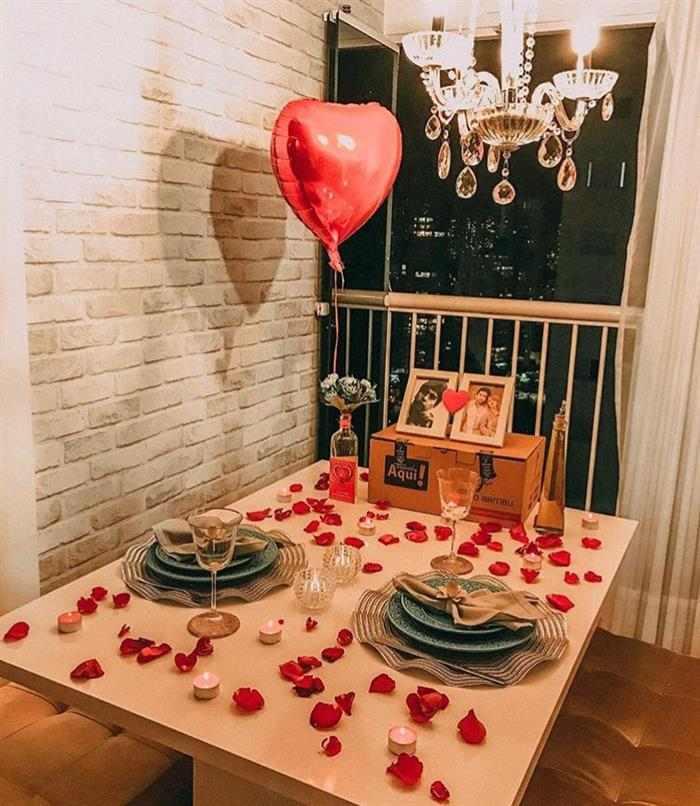 surpresa para namorado na sala