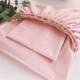 Como dobrar lençol de elástico de um jeito fácil e rápido