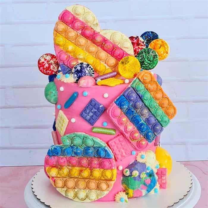 bolo decorado pop it