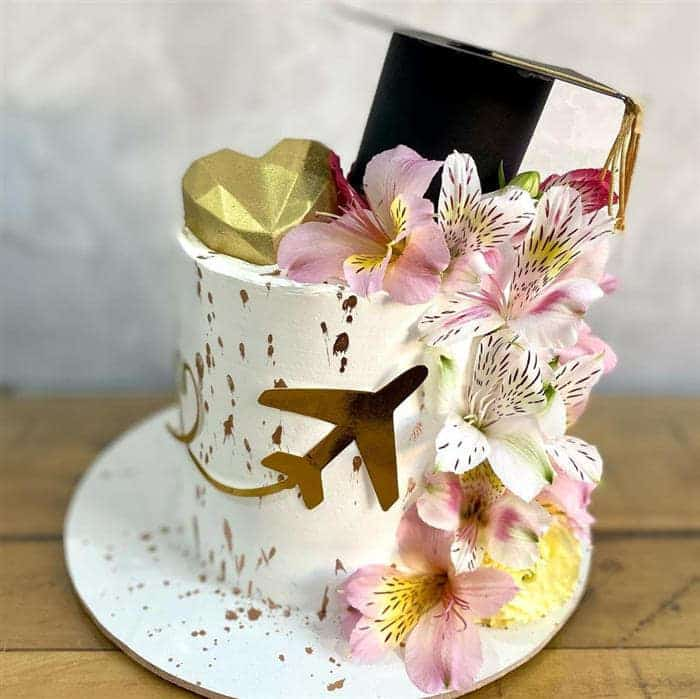 bolos decorados com flores naturais